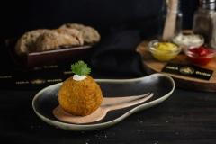 Bomba (stuffed potato)